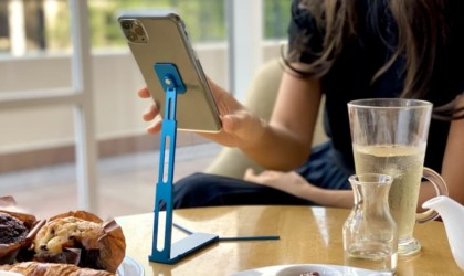 Lookstand Tall Pocket Phone Stand