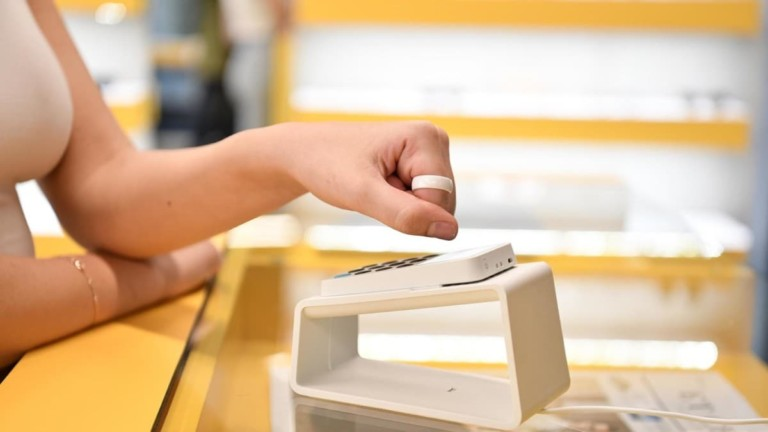 McLEAR Ring Contactless Payment Wearable