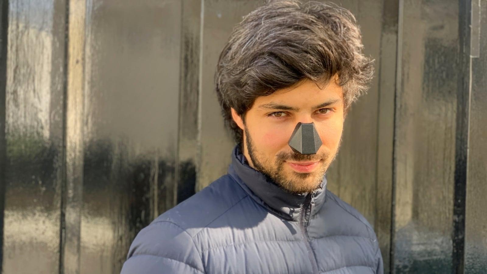 Nosy Minimalistic Breathing Device