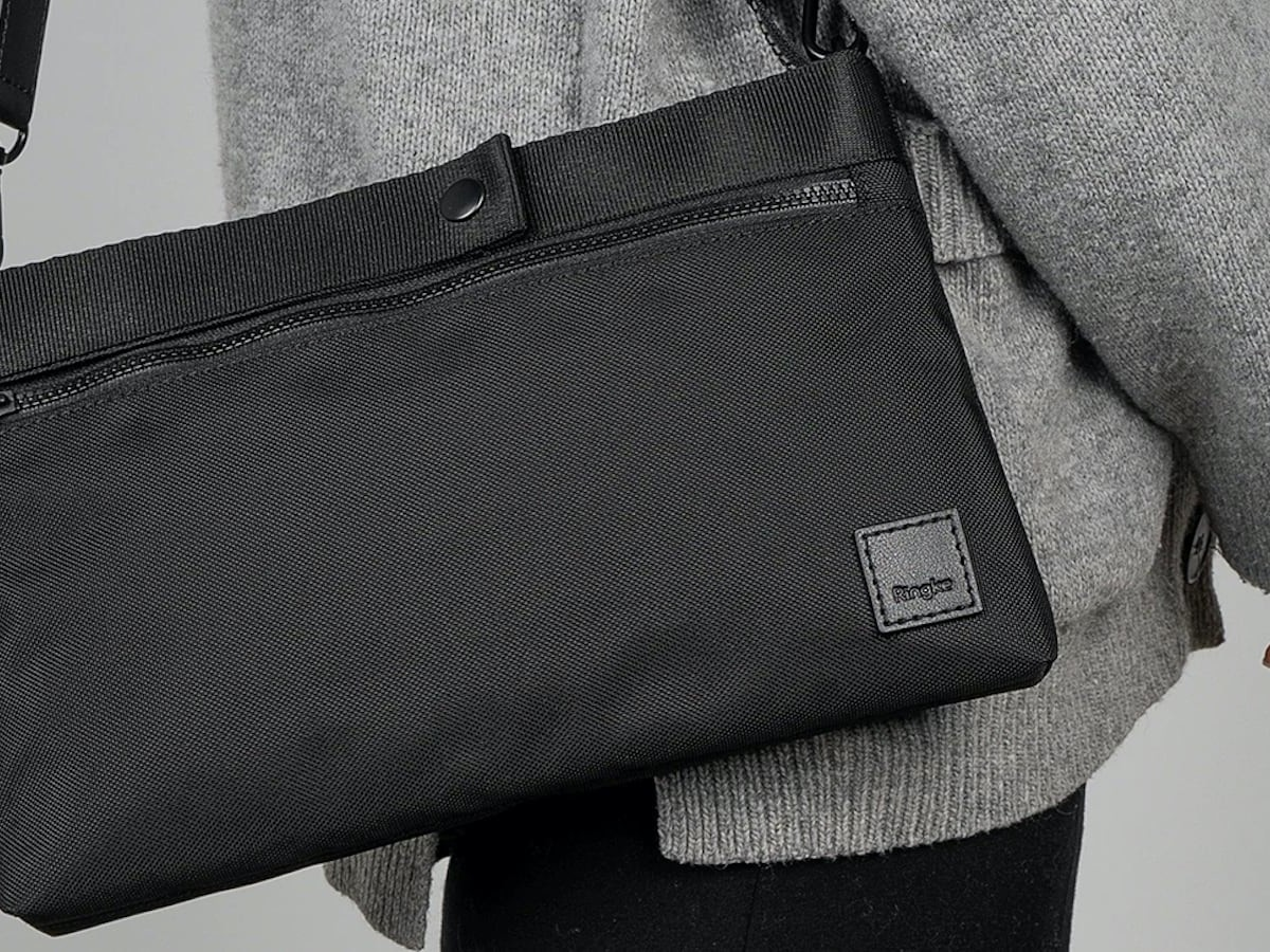 Ringke 2-Way Bag EDC Carry Pouch holds all your essential gadgets in one spot