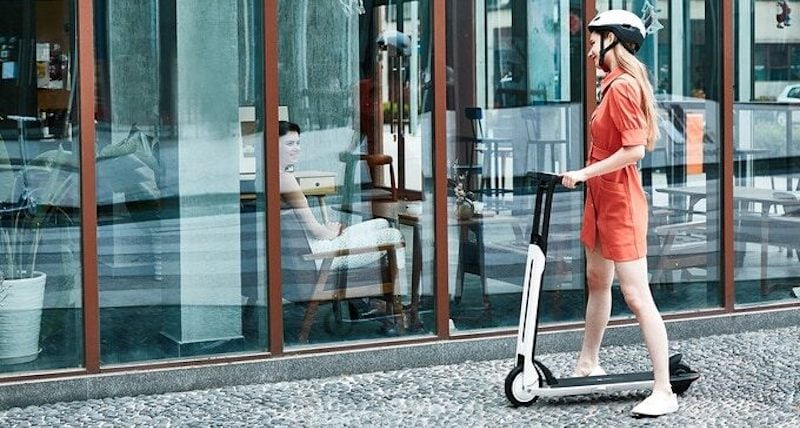 Segway Ninebot Air T15 Electric KickScooter Design in Use