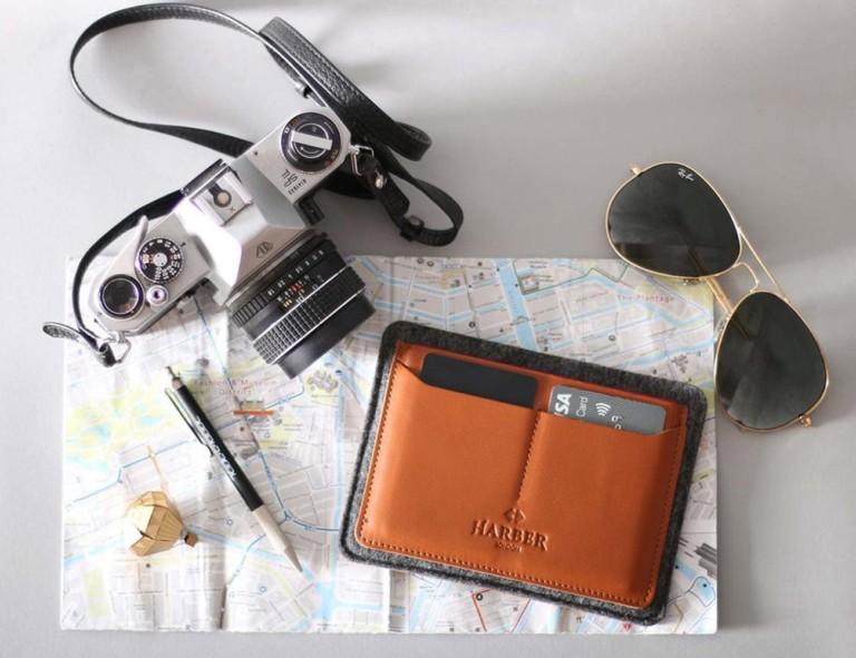 Harber London Flat Leather Passport Holder