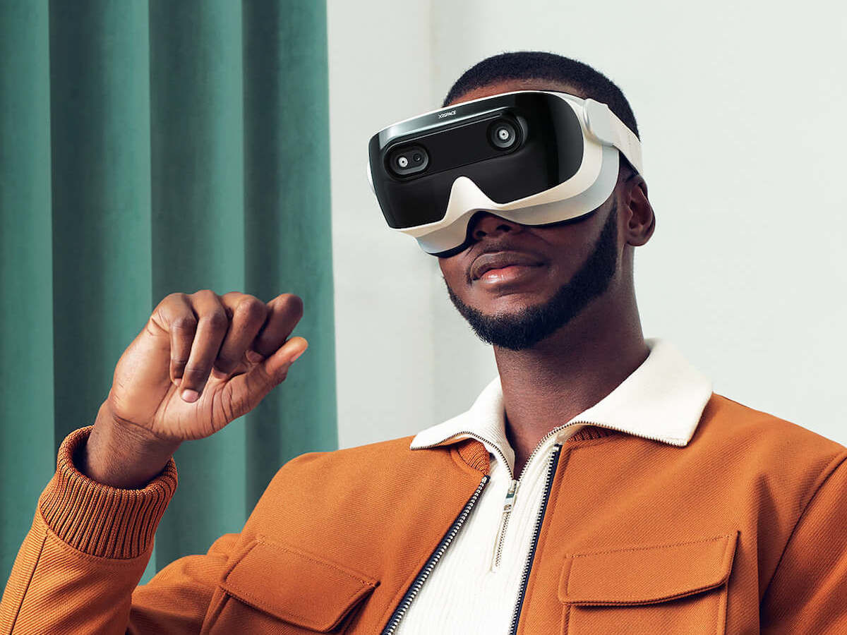 XRSPACE MOVA Portable VR Device has a lightweight, futuristic look