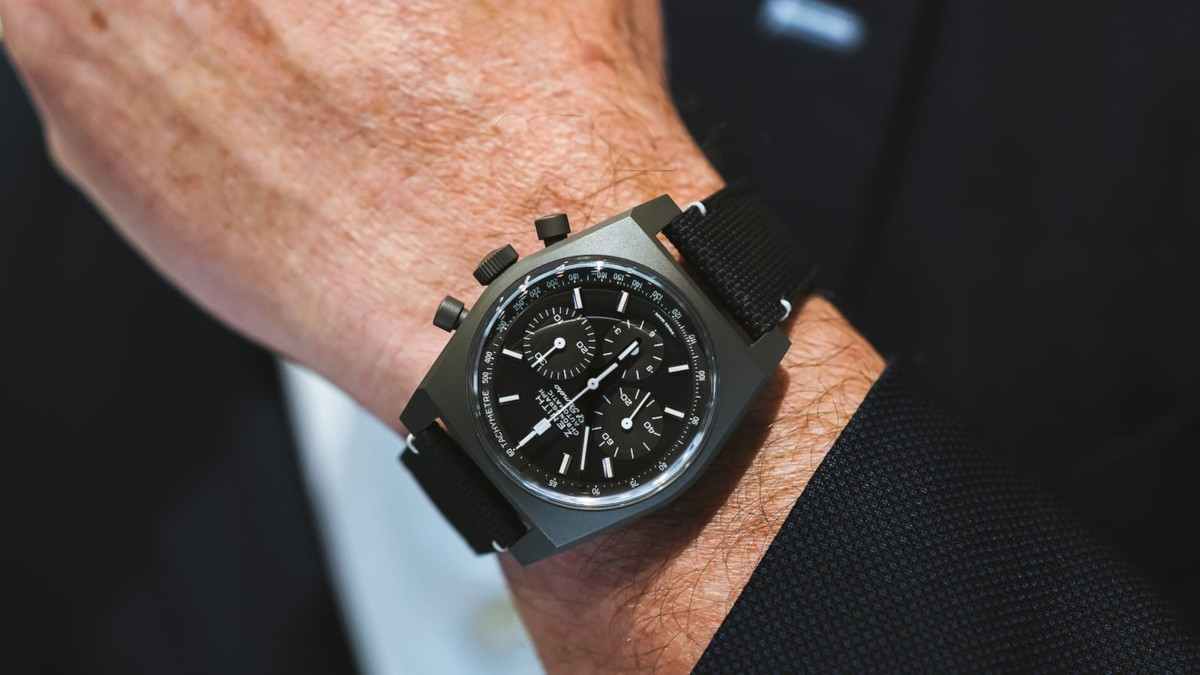 Zenith Chronomaster Revival A384 Shadow Mysterious Timepiece draws inspiration from a 1970s prototype