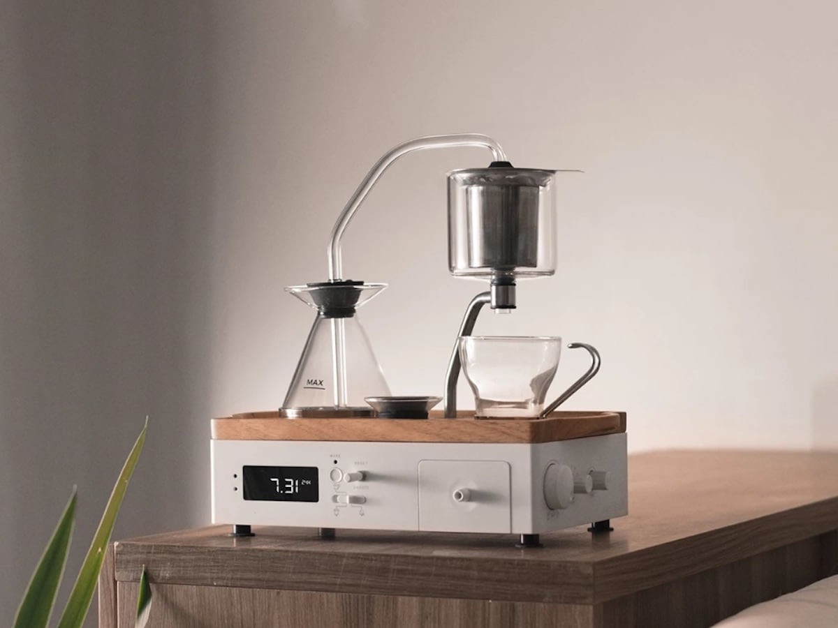 Joy Resolve Barisieur 2.0 immersion brewer alarm clock brews coffee and tea while wirelessly charging