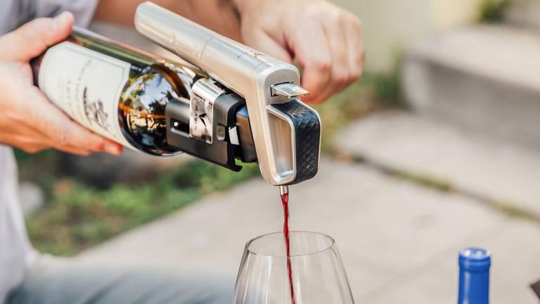 Coravin Model Six wine pourer lets you conveniently pour alcohol