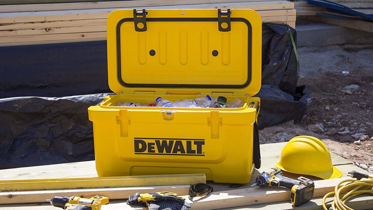 DeWalt 45 Qt Roto Molded Cooler Beverage Container keeps your drinks cold for days