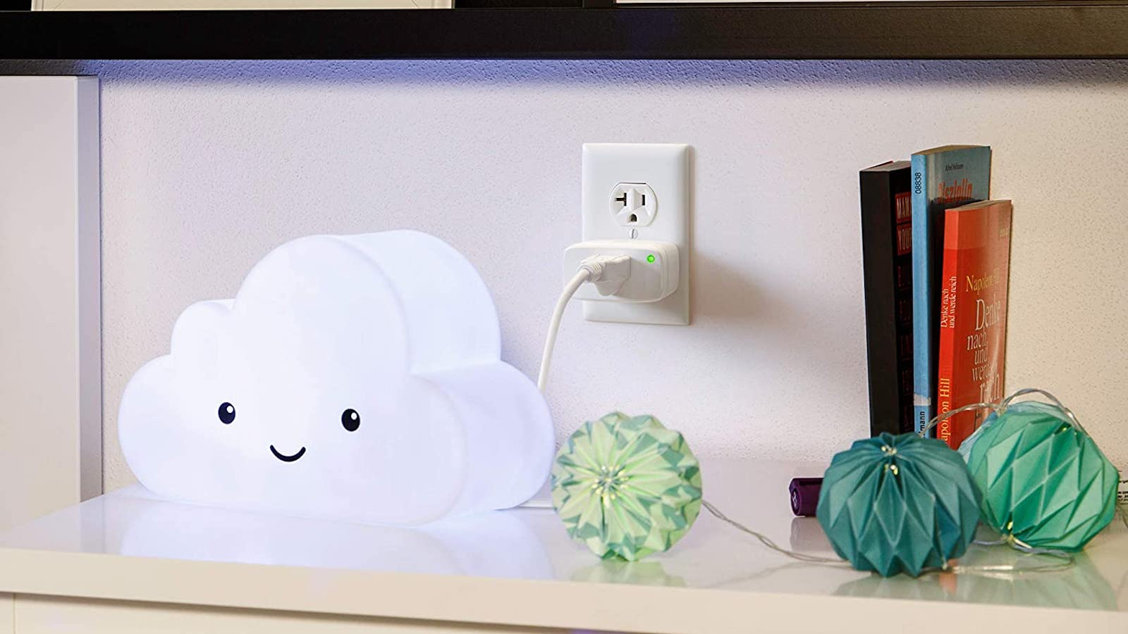 Eve Energy Smart Plug & Power Meter Intelligent Outlet manages your appliances from anywhere