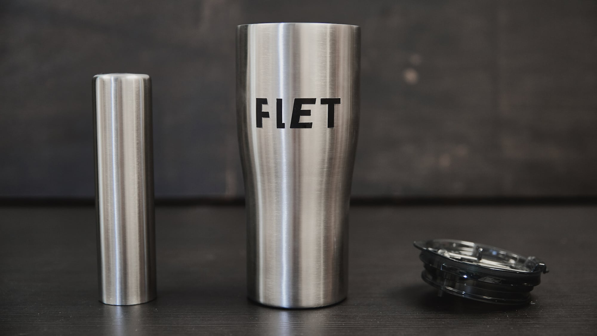 FLET Iced Drink Tumbler has a frozen stick inside to keep your beverage super cold