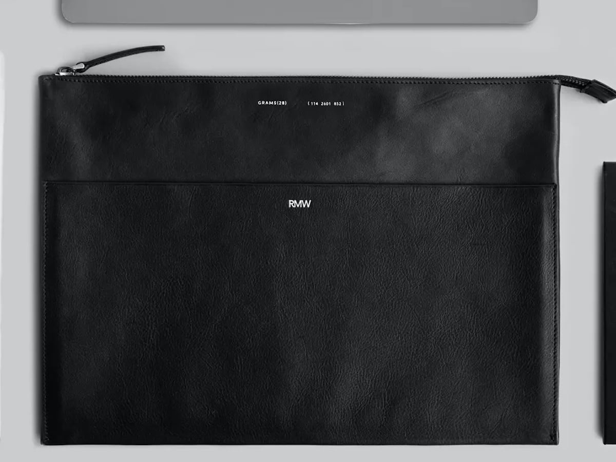 GRAMS28 118 Leather Folio MacBook Pro Luxurious Cover protects your device