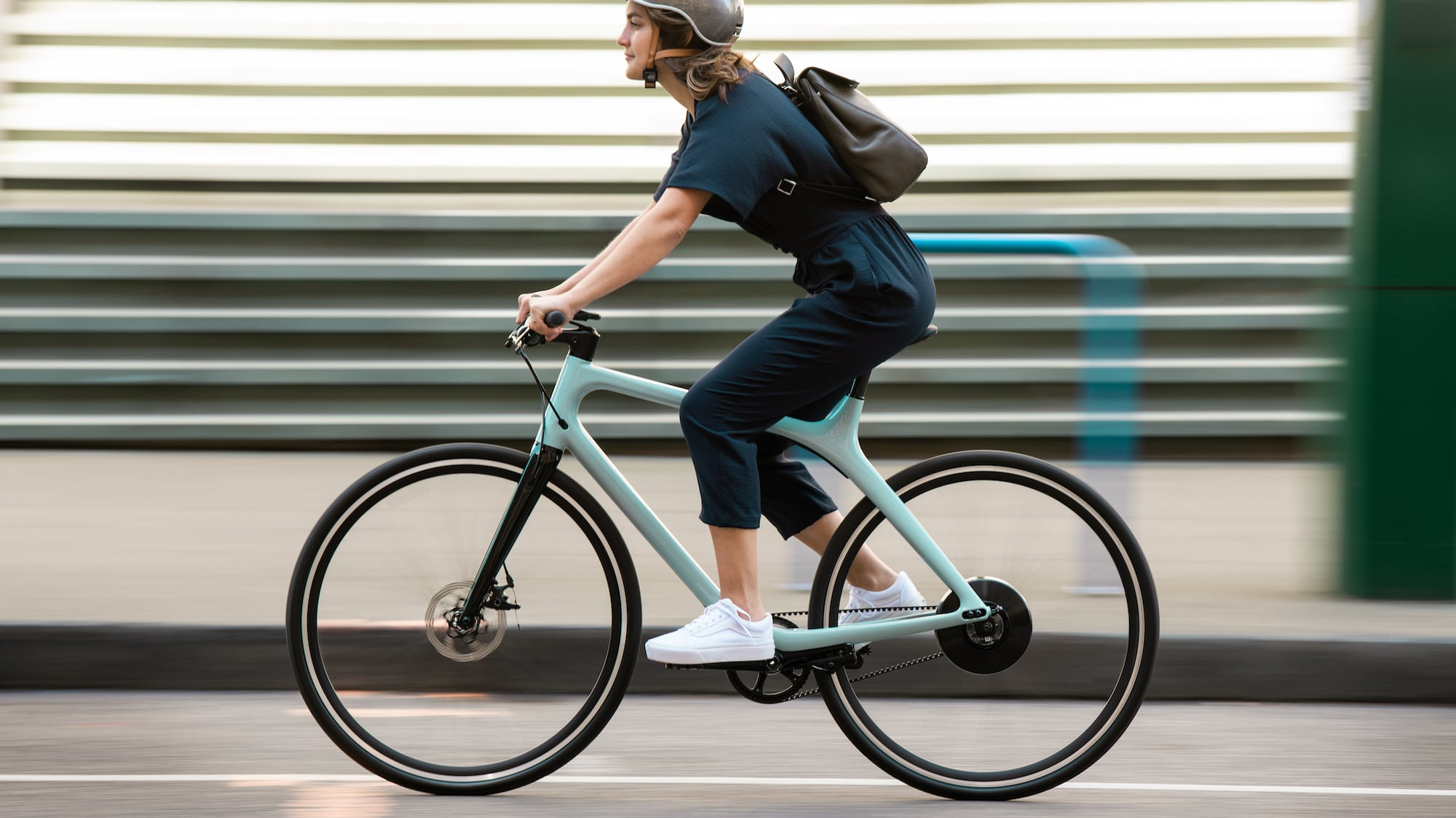 Gogoro Eeyo 1 Lightweight eBike has a minimalist, streamlined design