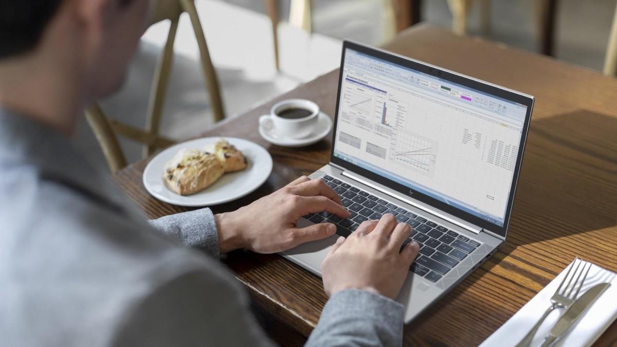 HP EliteBook x360 1040 G7 Touchscreen Laptop has an anti-glare display