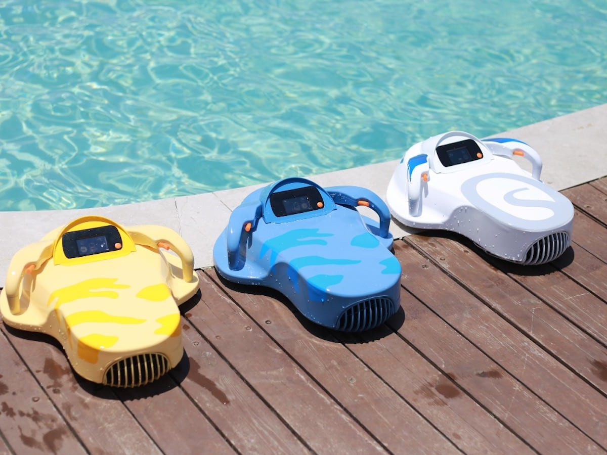 Havospark Sharki Motorized Kids Swimming Kickboard creates an exciting and safe experience