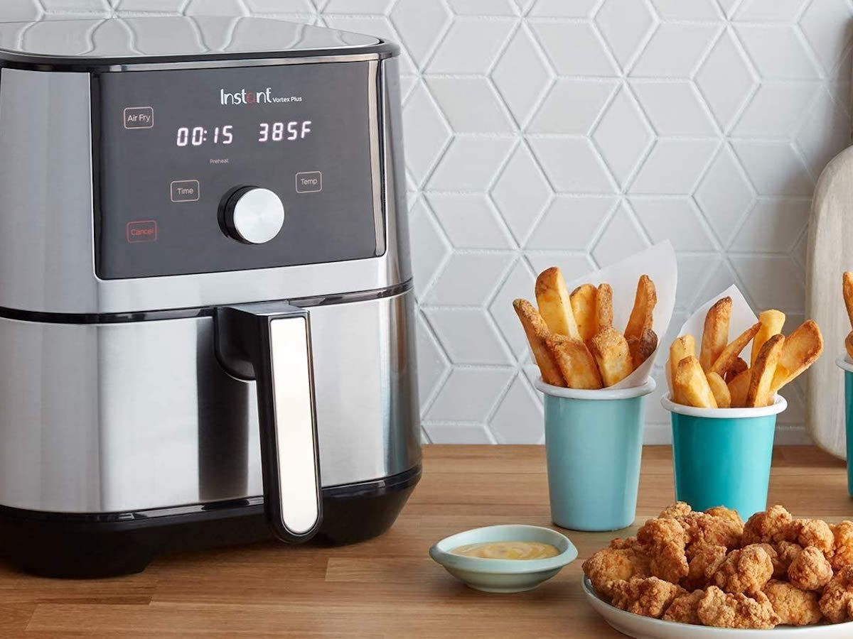 Instant Pot Instant Vortex Plus 6-in-1 Air Fryer Multifunctional Cooker heats food faster than an oven