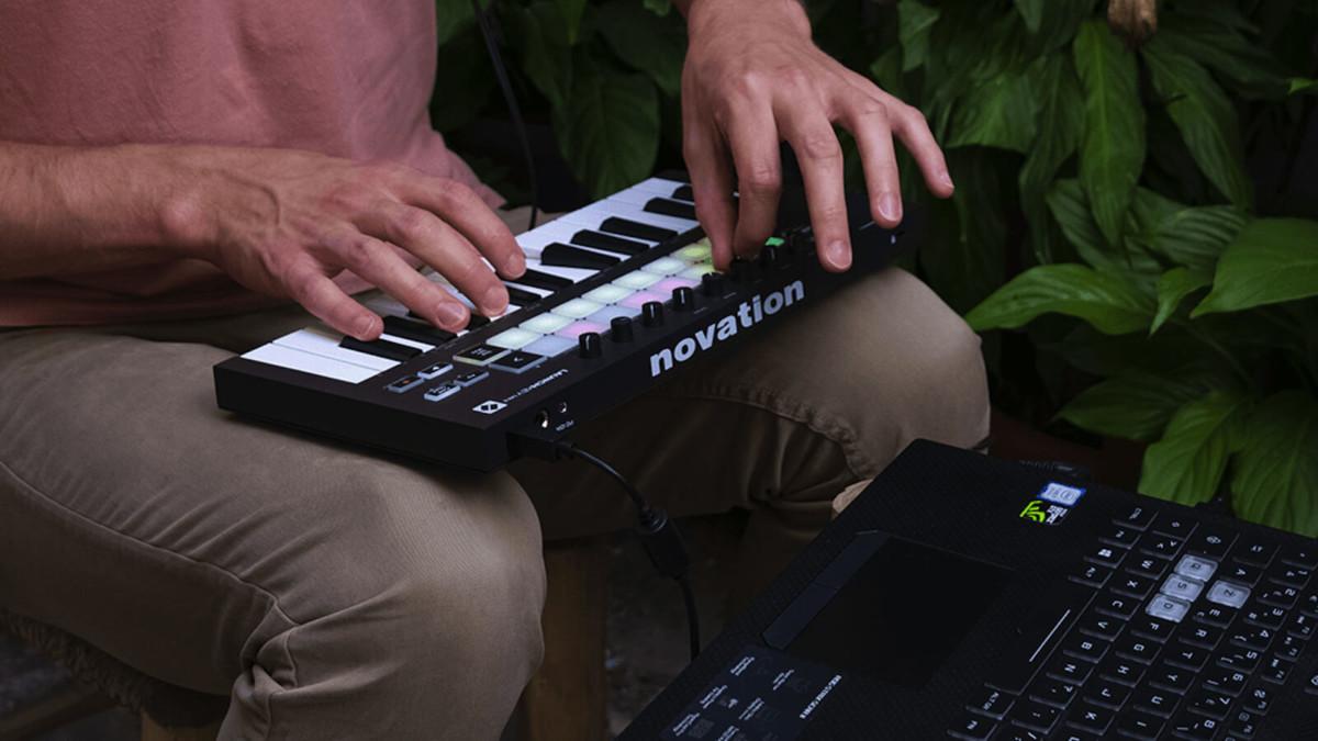 Launchkey Mini 25-Key Portable Keyboard creates music on the go