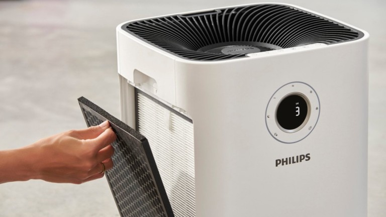 "Philips 5000i Series extra-large <em class=""algolia-search-highlight"">air</em> <em class=""algolia-search-highlight"">purifier</em> removes up to 99.97% of allergens"