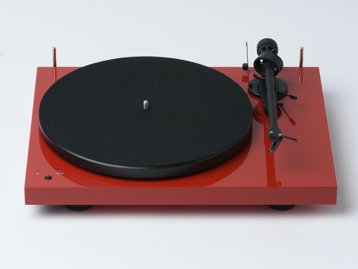 Pro-Ject Audio Systems Debut RecordMaster Audiophile Turntable creates speed stability