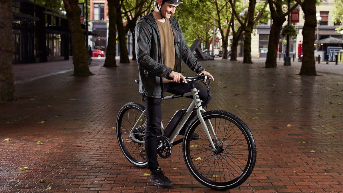 Rad Power Bikes RadMission 1 Electric Metro Bike makes riding more simple and convenient