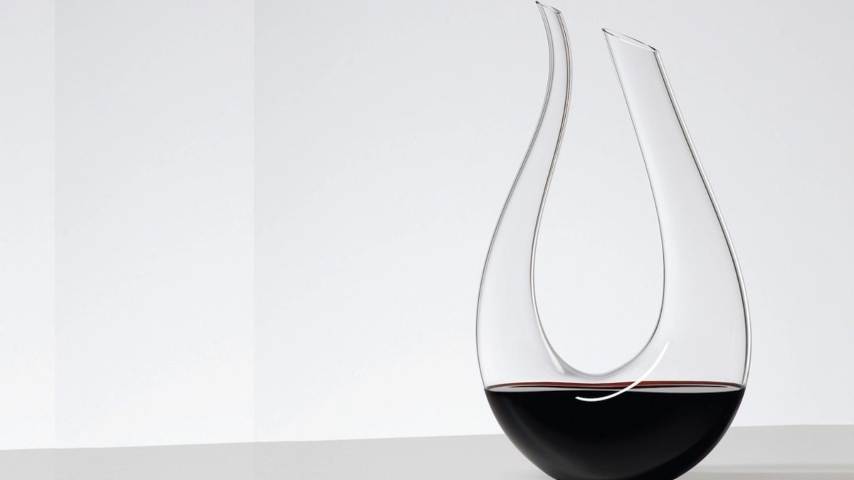 Riedel Amadeo Decanter Wine Holder adds elegance to any bar