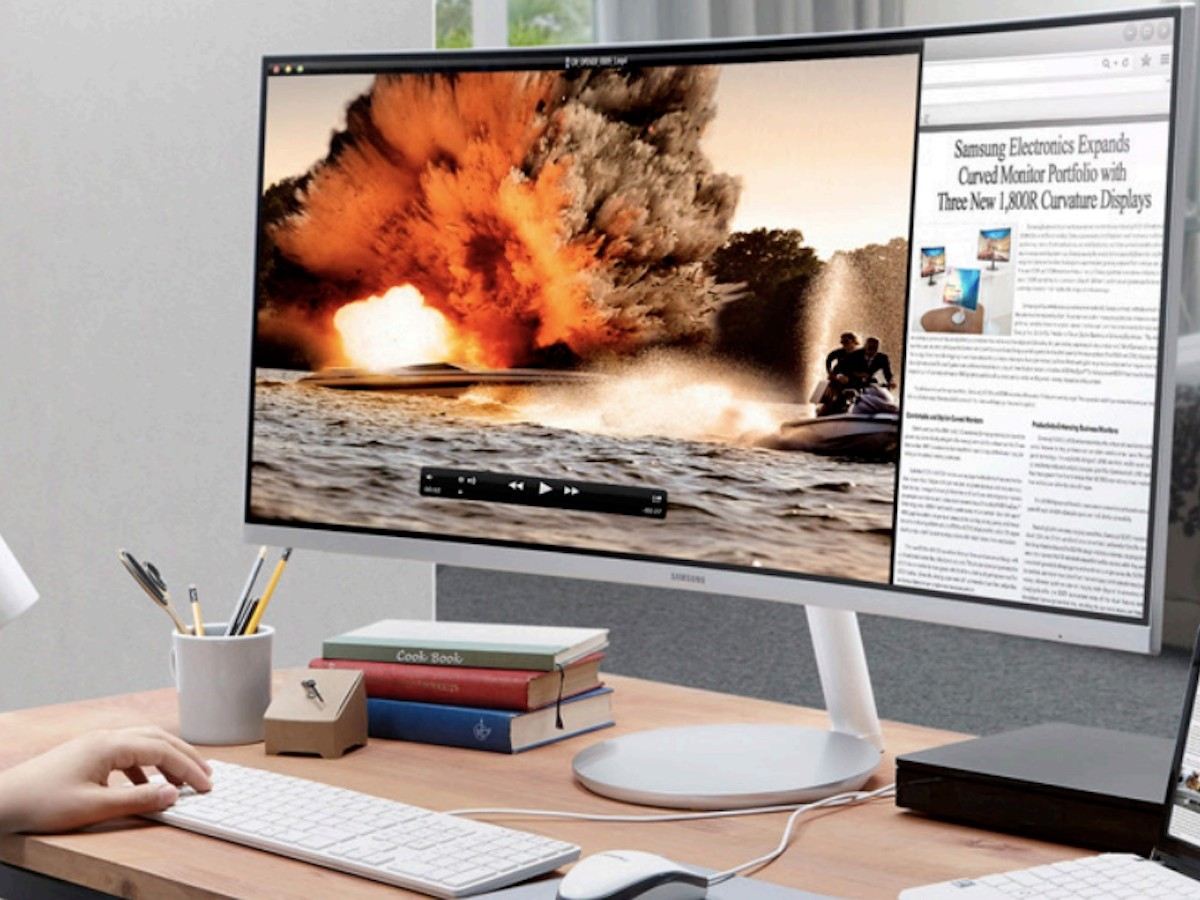 Samsung 34″ CF791 Curved Widescreen Monitor offers a wide field of vision