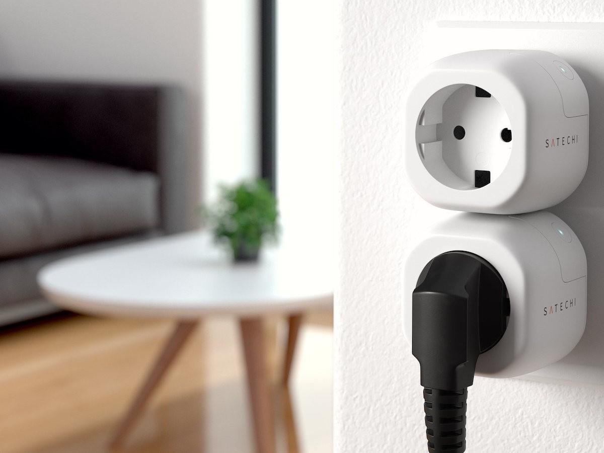 Satechi Smart Outlet Wi-Fi Plug controls appliances remotely
