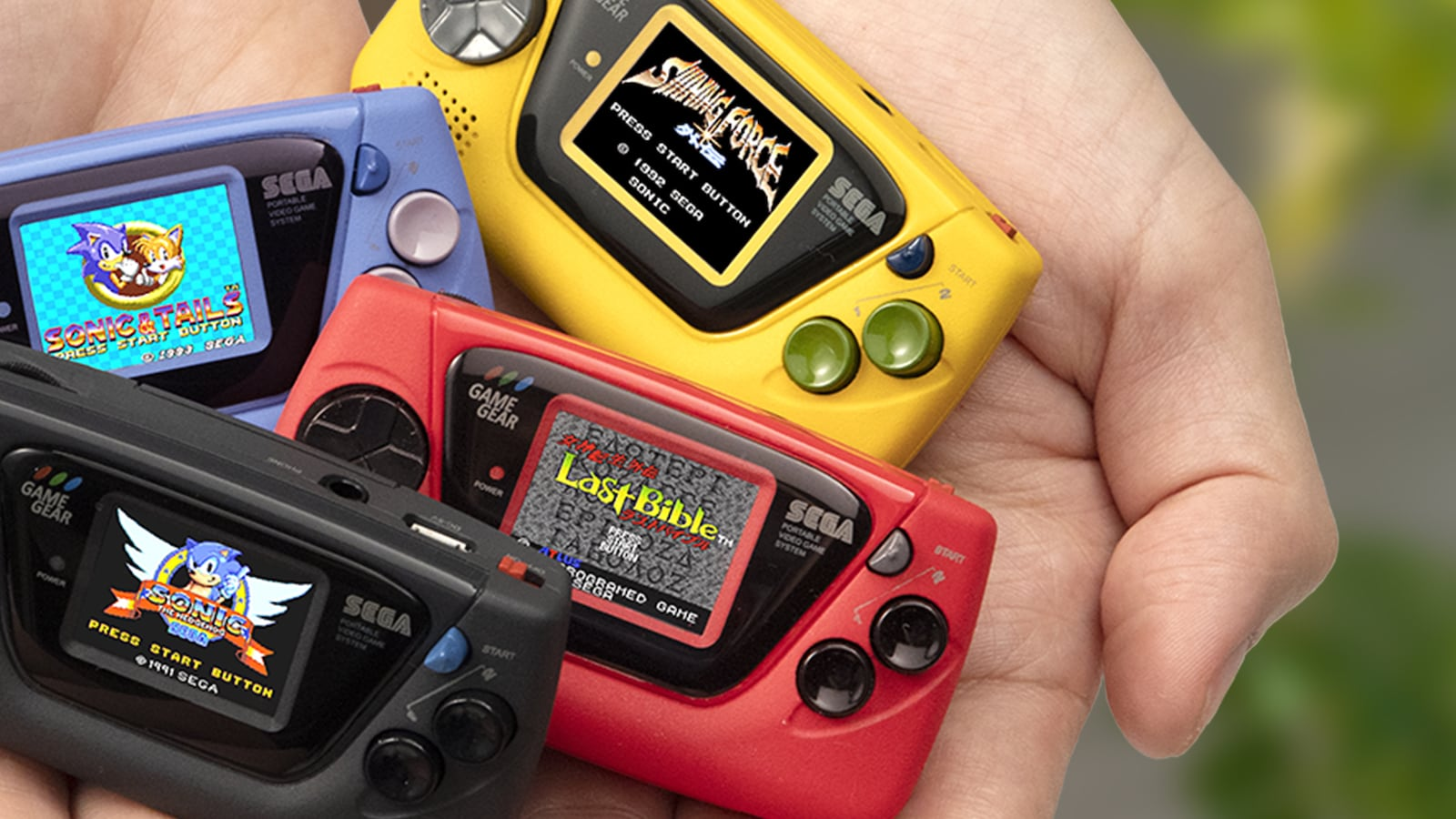 Sega Game Gear Micro gaming portable comes with 4 built-in games