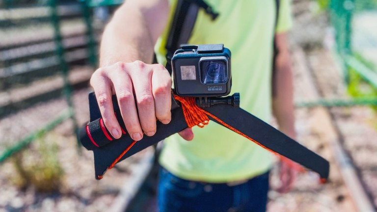 SelfieSpin360 slow motion GoPro accessory gives you incredible 360º selfie videos