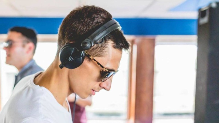 Sennheiser HD 25 lightweight headphones are comfortable to wear for long periods of time