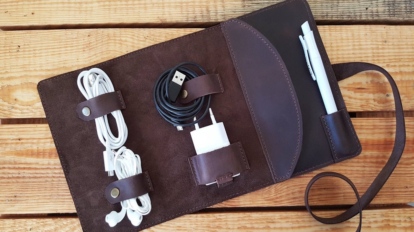 Sinevir Personalized Cord Organizer Leather Cable Holder
