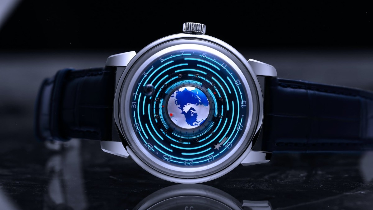 Aidophedo Earth-Moon Rotating Mechanical Watch draws inspiration from planets