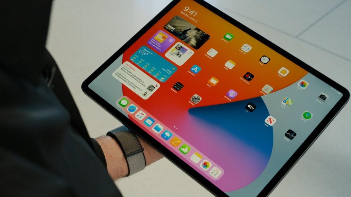 iPad OS 14 widgets