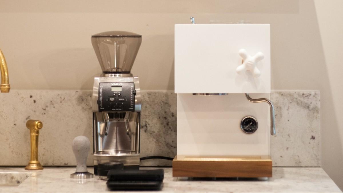 AnZa White Home Espresso Machine brings a barista home to you