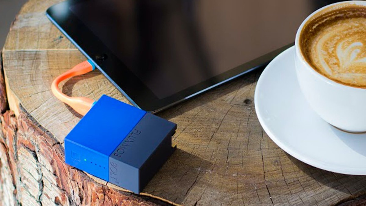 BOLT² 2.4A Battery Backup doubles as a wall charger