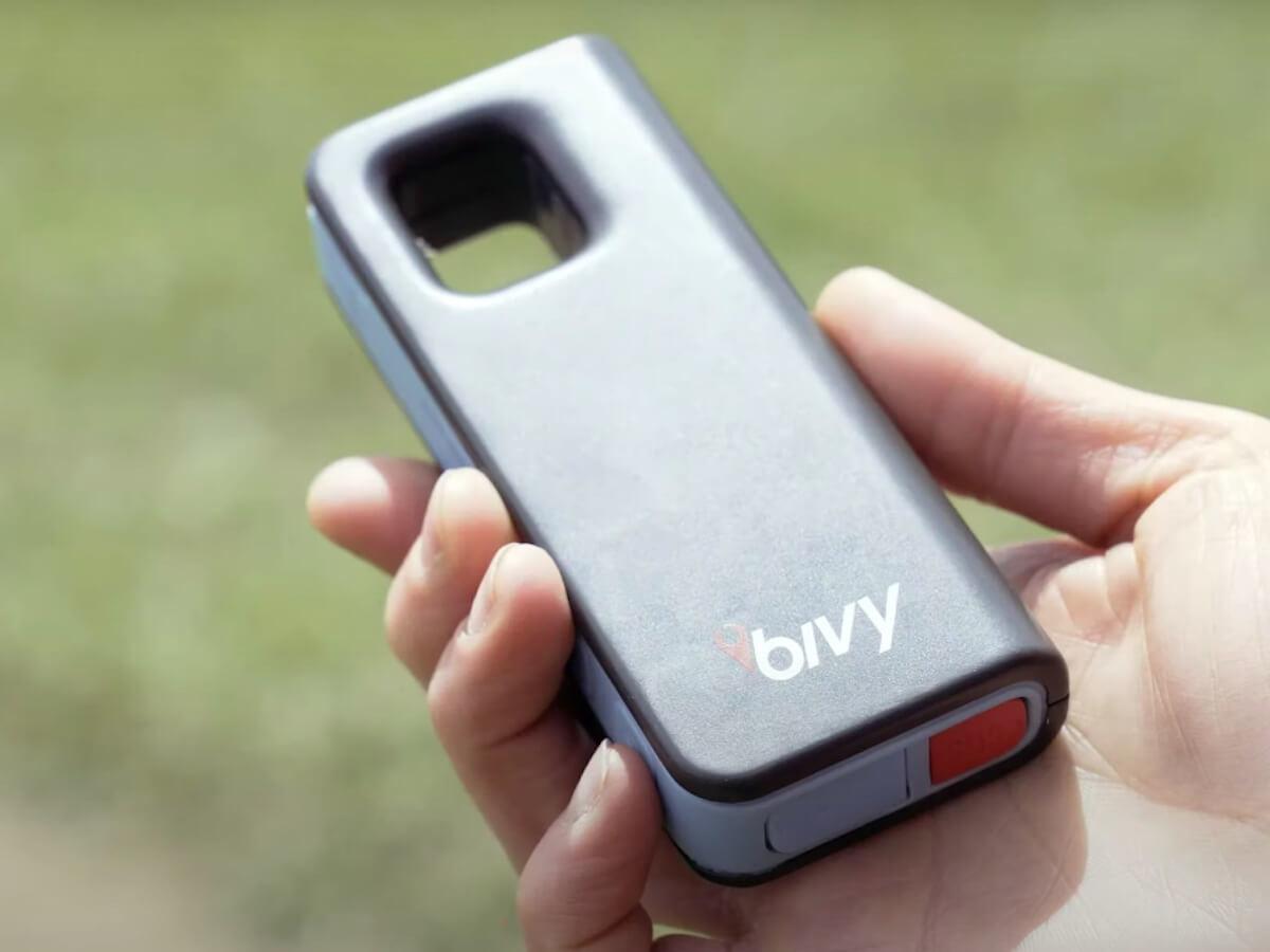 Bivy Stick Blue satellite communicator device sends your location easily