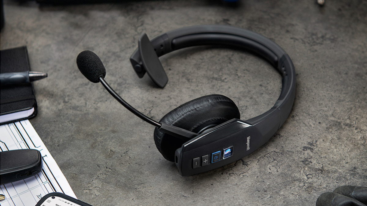 BlueParrott B450-XT Customizable Headset blocks out background noise
