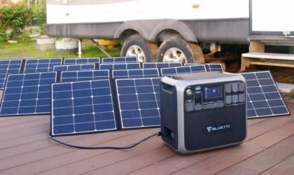 Bluetti AC200 Portable Solar Power Station