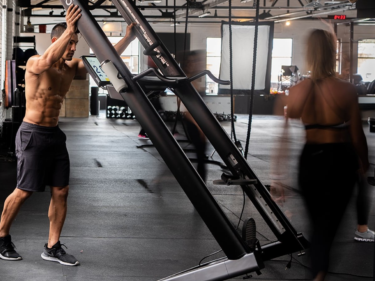 CLMBR Pure workout machine uses a state-of-the-art companion app