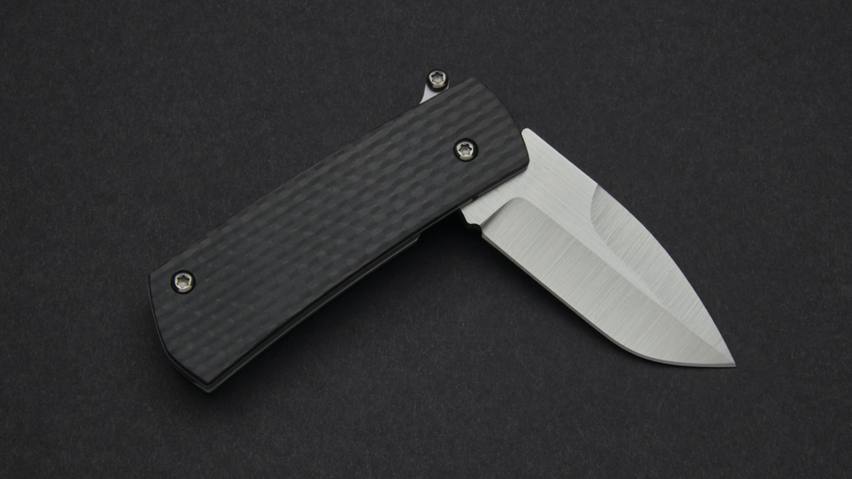 D Rocket Design Paw Claw Automatic Knife features a comfortable handle