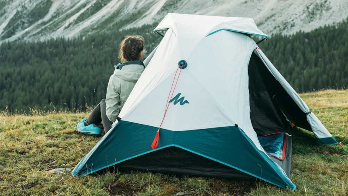 Decathlon 2-Seconds Easy Tent Outdoor Sleeping Gear has a simple setup and breakdown