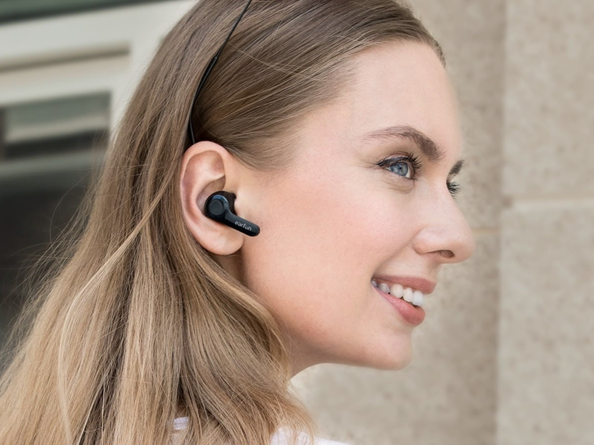 EarFun Air Smart True Wireless Earbuds have 4-microphone noise-cancelling call technology