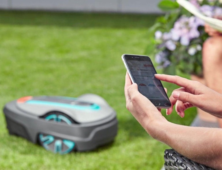 GARDENA Smart SILENO City Robotic Lawnmower Set