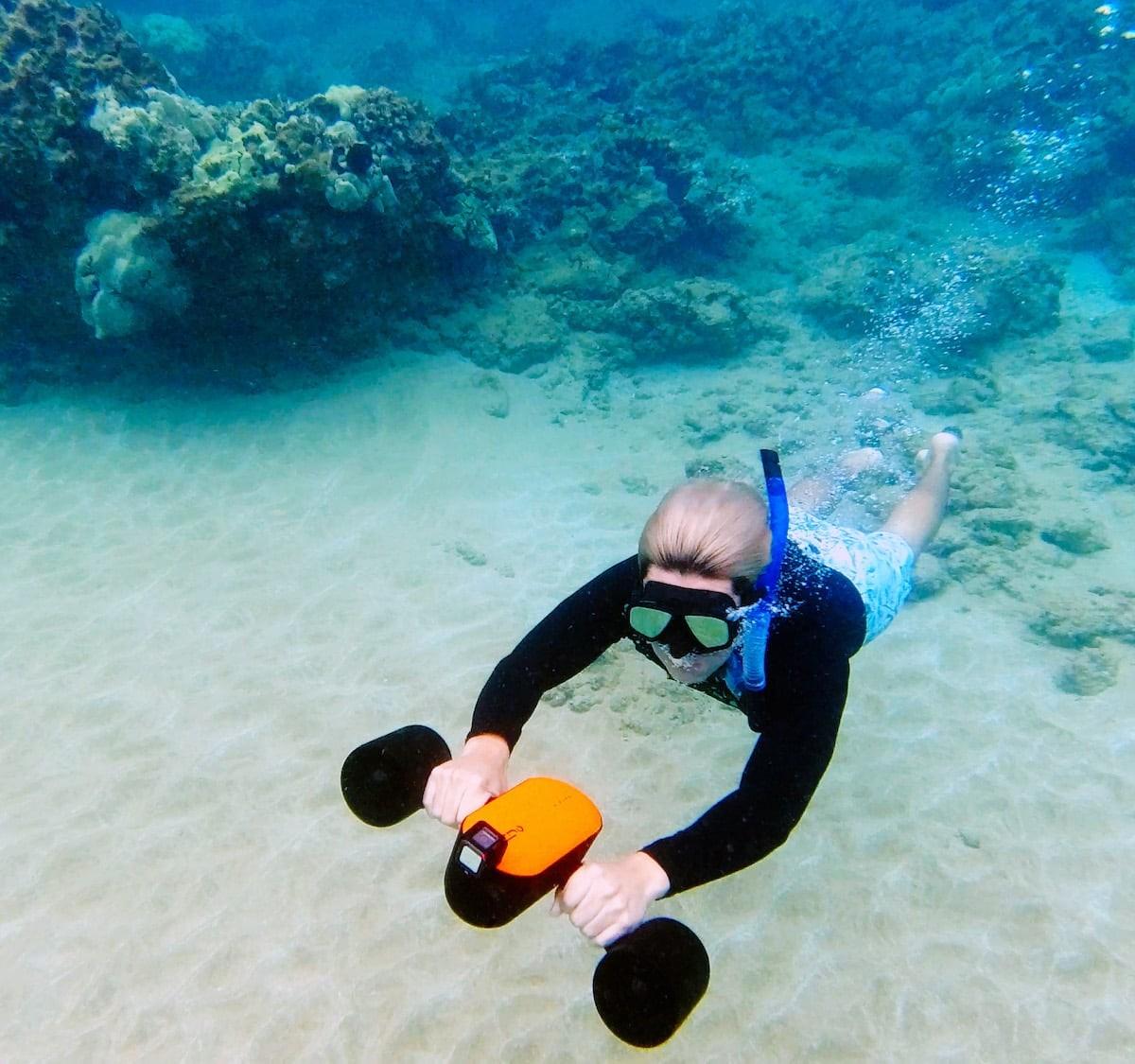Geneinno S2 portable sea scooter lets you explore even deeper underwater