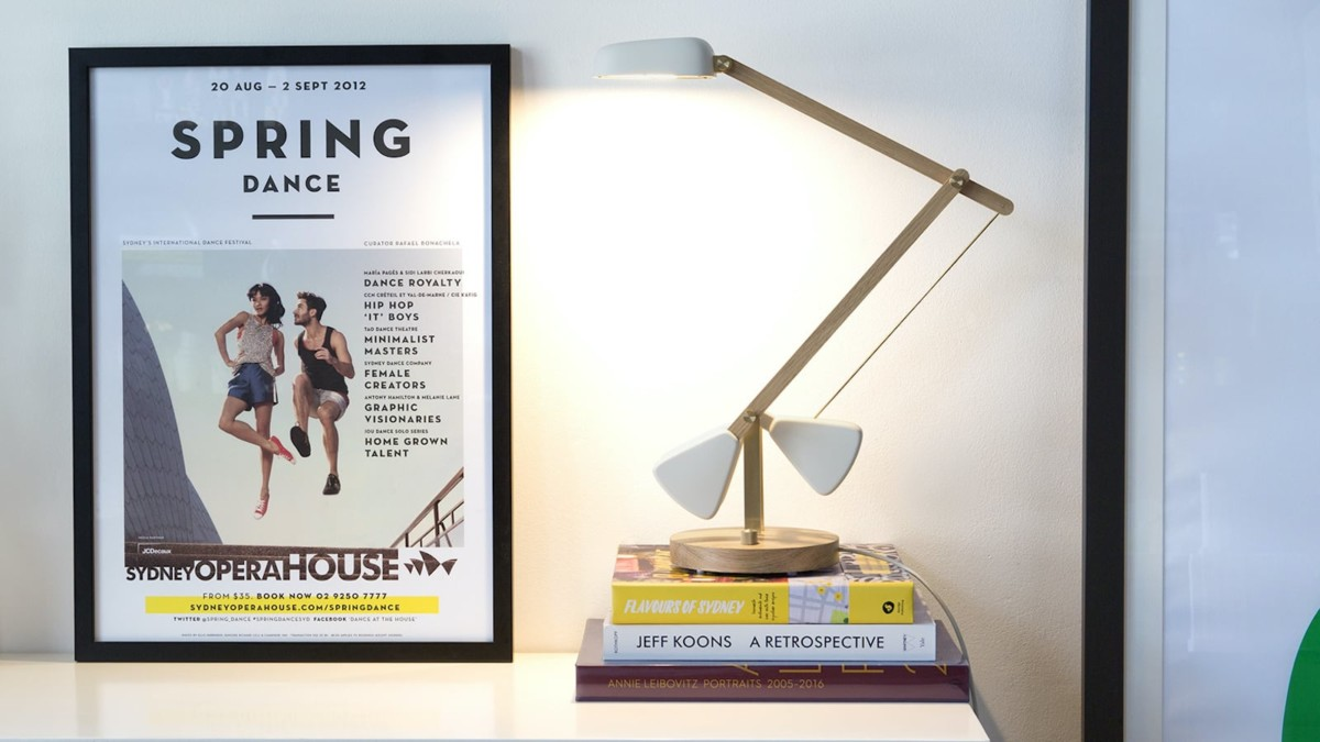 Herston Hero Desk Lamp Self-Balancing Light remains in place at any position