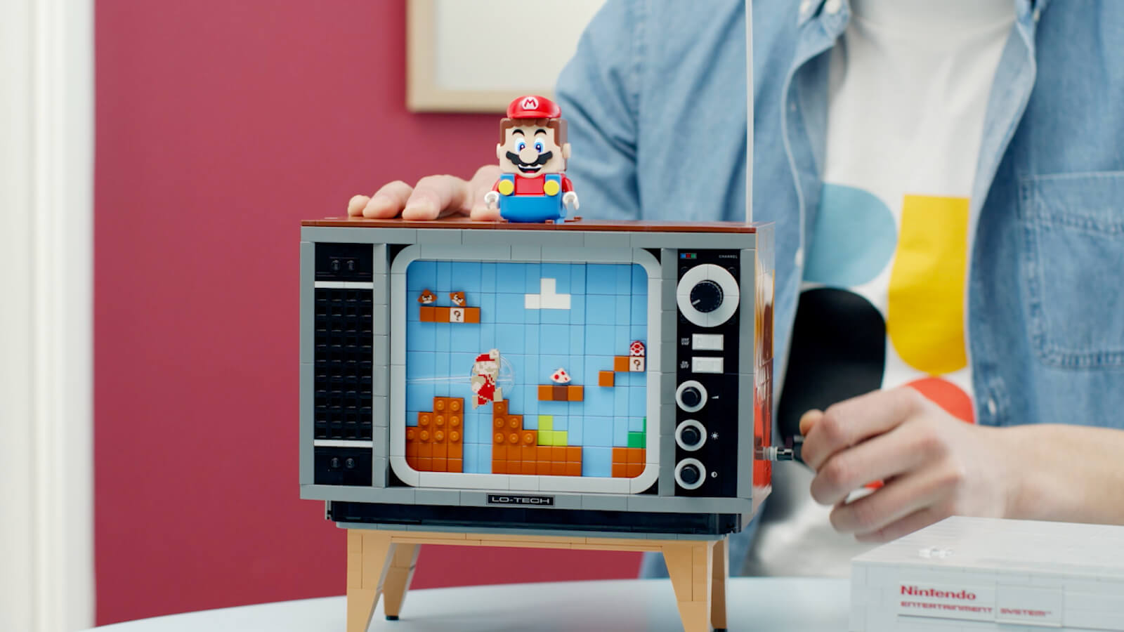 LEGO Nintendo Entertainment System Retro Mario Game lets you recreate the original version