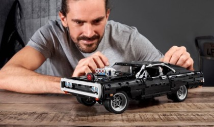 LEGO Technic Dom's Dodge Charger Iconic Building Set