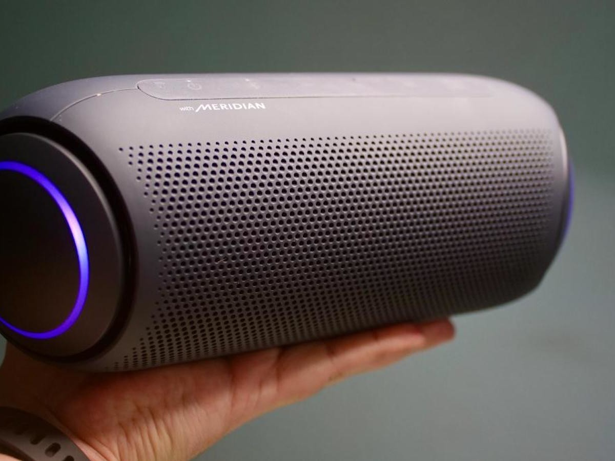 LG XBOOM Go PL7 Portable Bluetooth Speaker produces crystal-clear audio