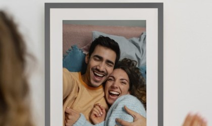Lenovo Smart Frame Wall-Mounted Photo Display