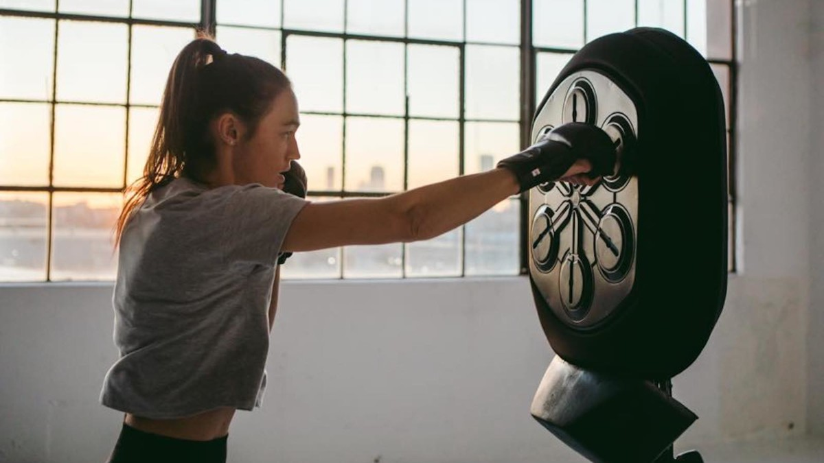 This Liteboxer boxing machine offers workouts from trainers