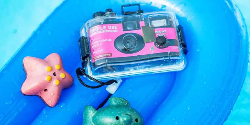 Lomography Analogue Aqua Reloadable Camera