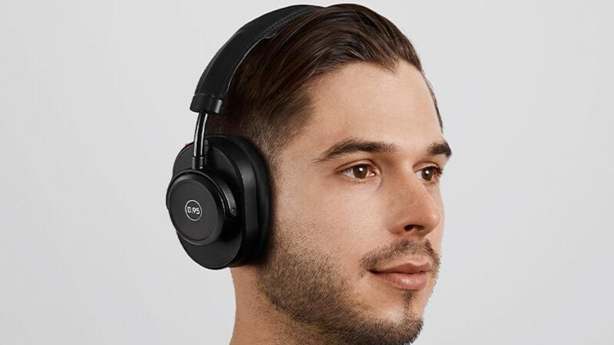 Master & Dynamic MW65 for 0.95 Active Wireless Headphones cushion your ears